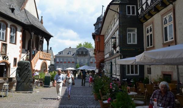 Torget och stadshuset i Goslar
